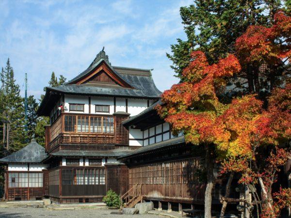 上杉伯爵邸と紅葉1