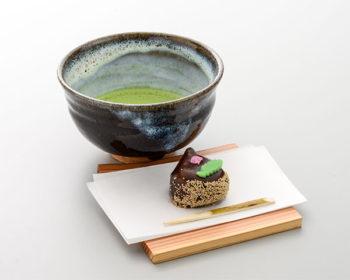 お抹茶と季節の上生菓子のセット