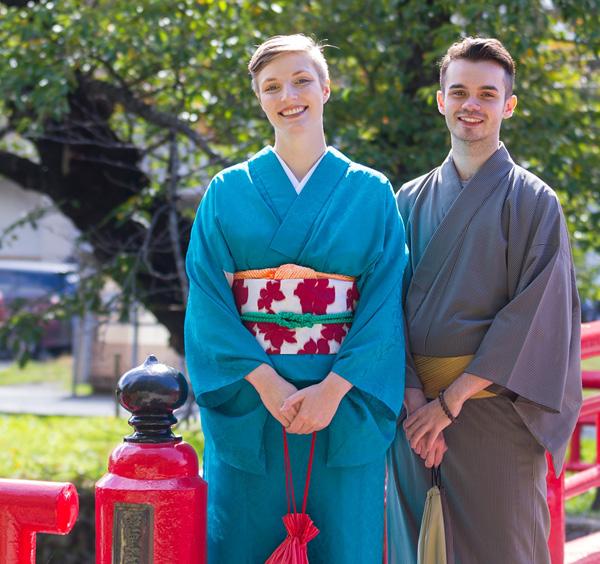 着物を着て米沢の観光スポットをおたのしみください。